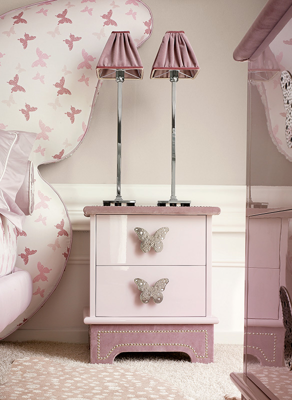 <strong>1571</strong> 2-drawer nightstand with small stainless steel Butterfly 