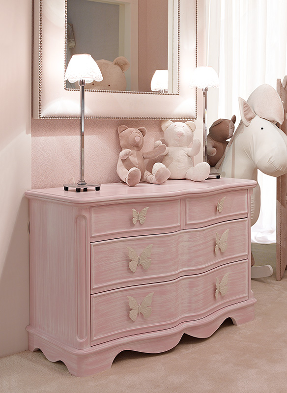 <strong>0335</strong> 4-drawer dresser PF01 and PF02 large and small butterfly handle