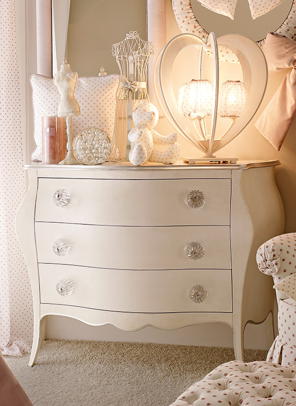 <strong>0530</strong> dresser with PS03 large clear ball knob