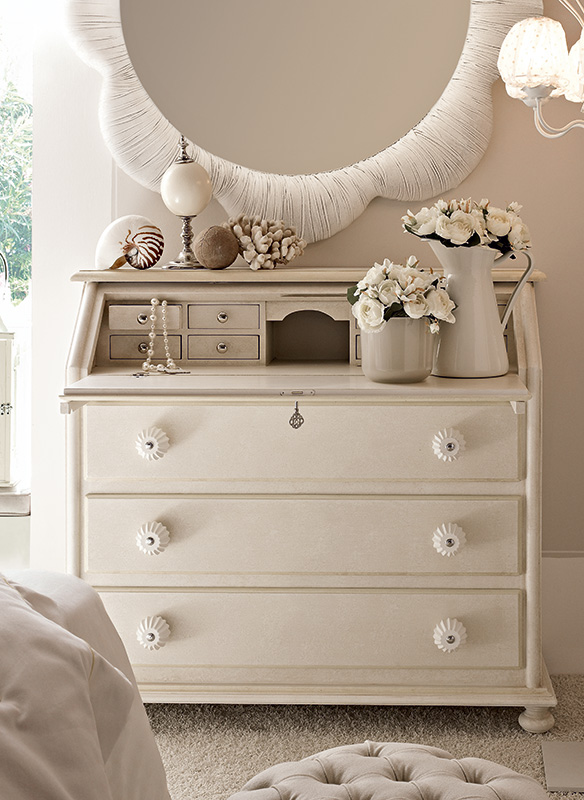<strong>0225</strong> drop front dresser with large resin knob PS05