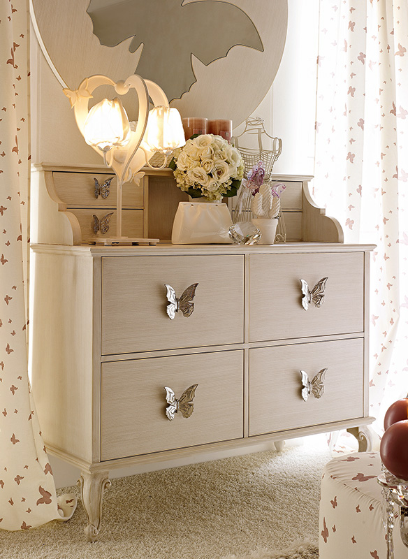 <strong>1510</strong> dresser with top unit with large butterfly handle PF03,