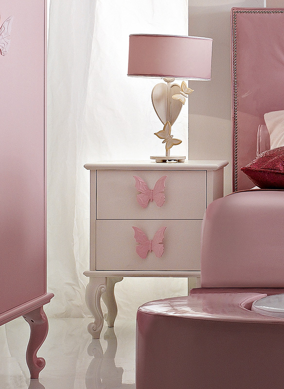 <strong>1071</strong> nightstand with large butterfly handle PF01
