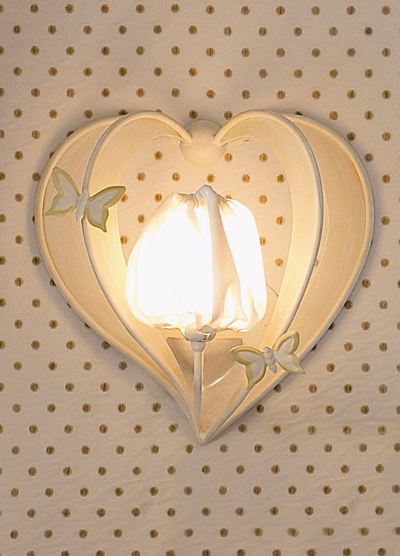 <strong>2137</strong> heart sconce, 1 light