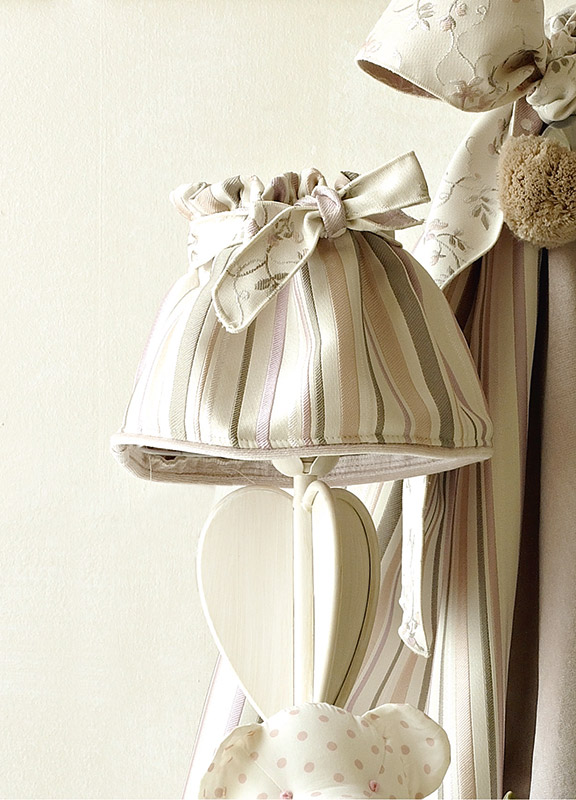 <strong>PAR02</strong> fabric lampshade with ribbon