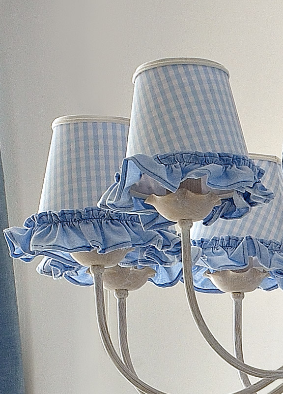 <strong>PAR04</strong> fabric lampshade with yarn fringe