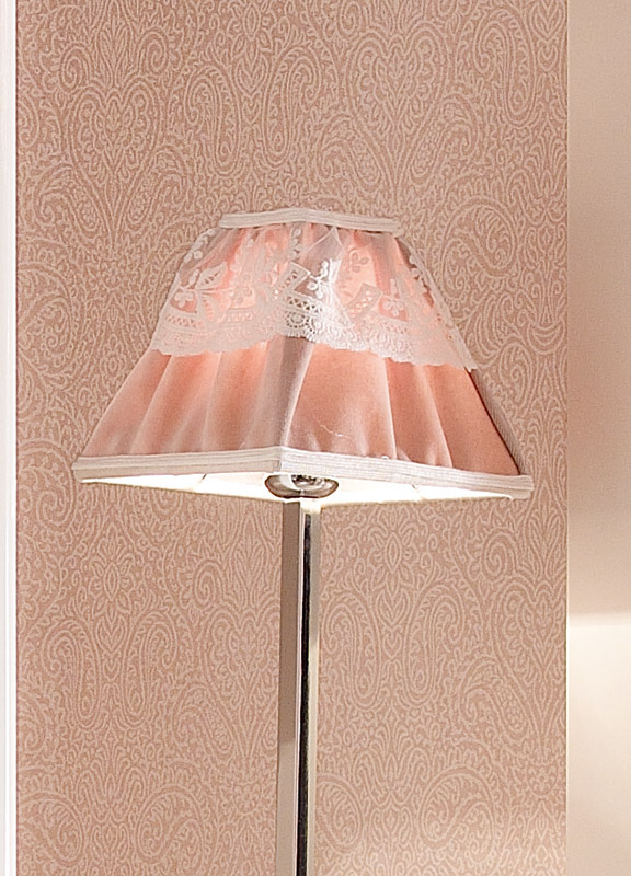 <strong>PAR19</strong> pyramid lampshade in ruffled fabric with tulle