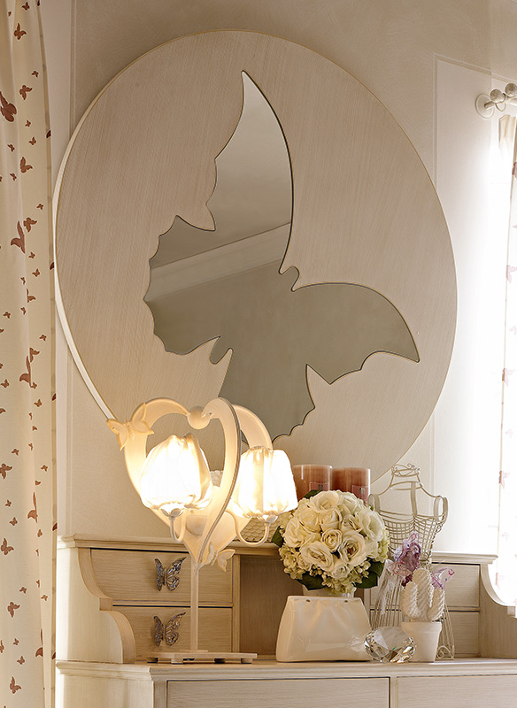 <strong>4000</strong> round mirror with butterfly Ø 120 cm